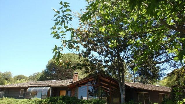25600 Fernhill Drive<br>Los Altos Hills, CA